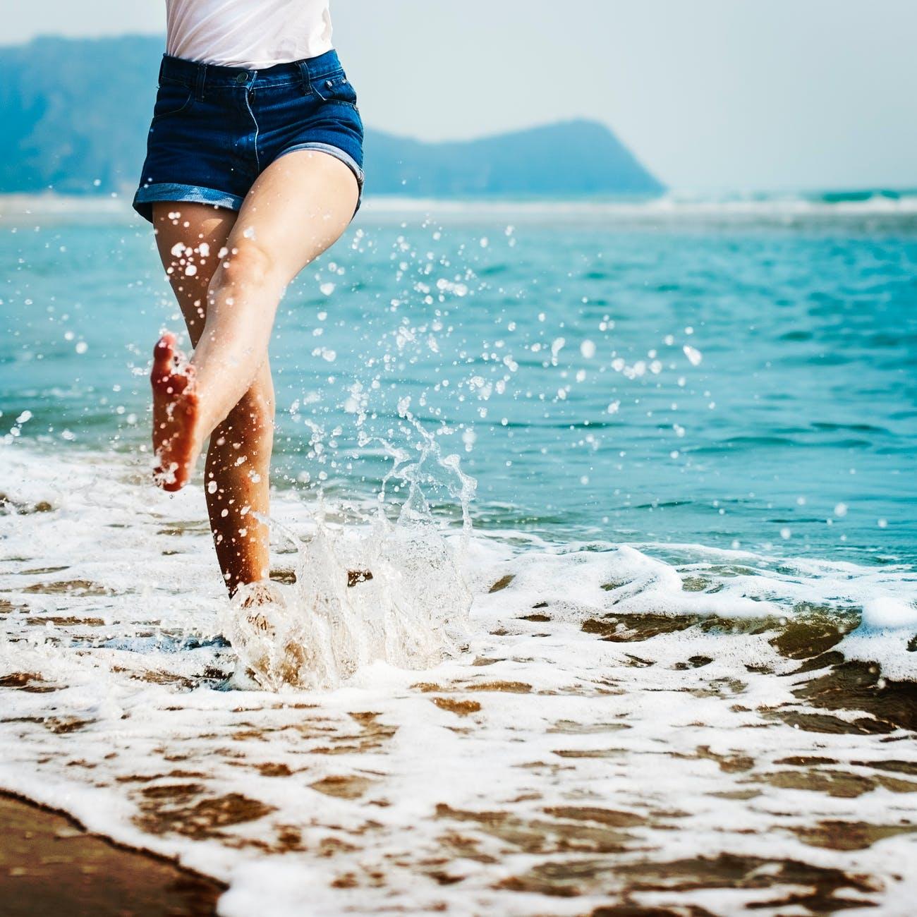 Kicking water